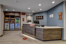 Townplace-suites-hobby-frontdesk